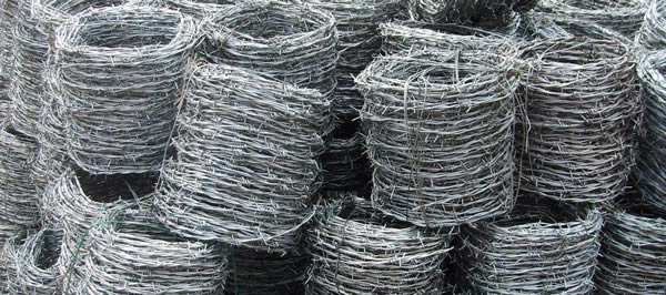 Galvanised Wire with Barbs