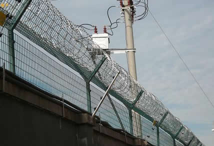 358 High Security Prison Mesh Fence With Razor Wire Coils